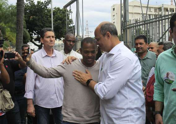 Witzel foi na Central do Brasil