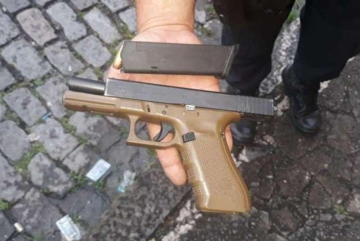 Três homens são presos após roubo de veículo na Tijuca