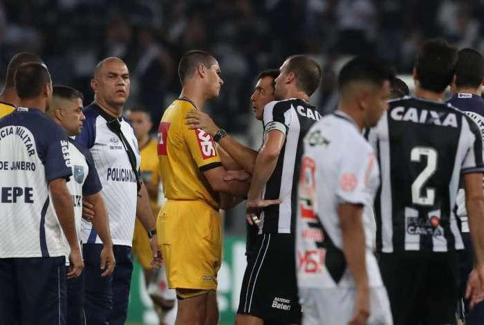 Vasco e Botafogo empataram no Engenhão