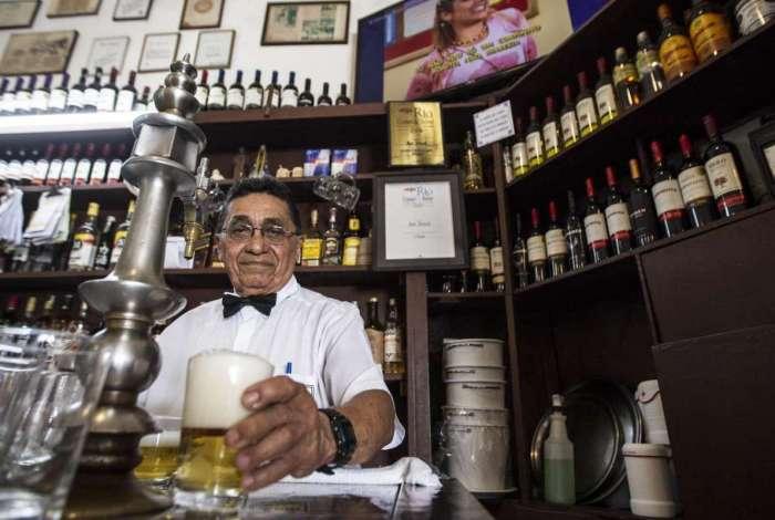 Adauto Sebastião: apesar de aposentado continua a trabalhar para reforçar a renda