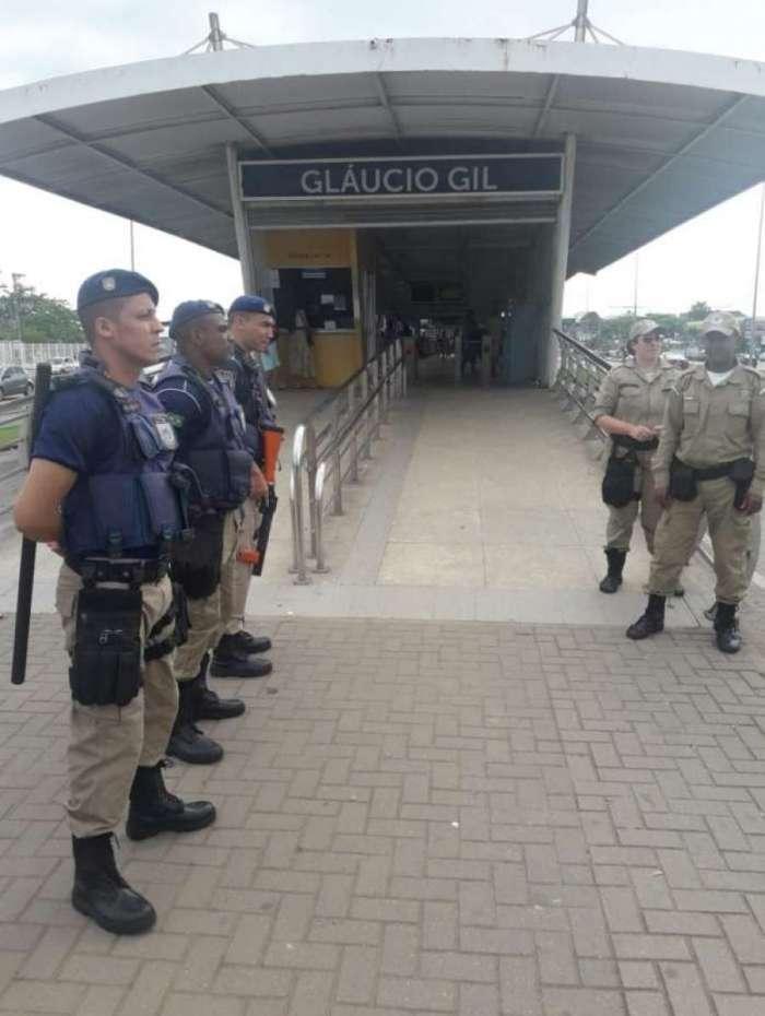 Homem é preso por importunação sexual na estação BRT Glaucio Gil