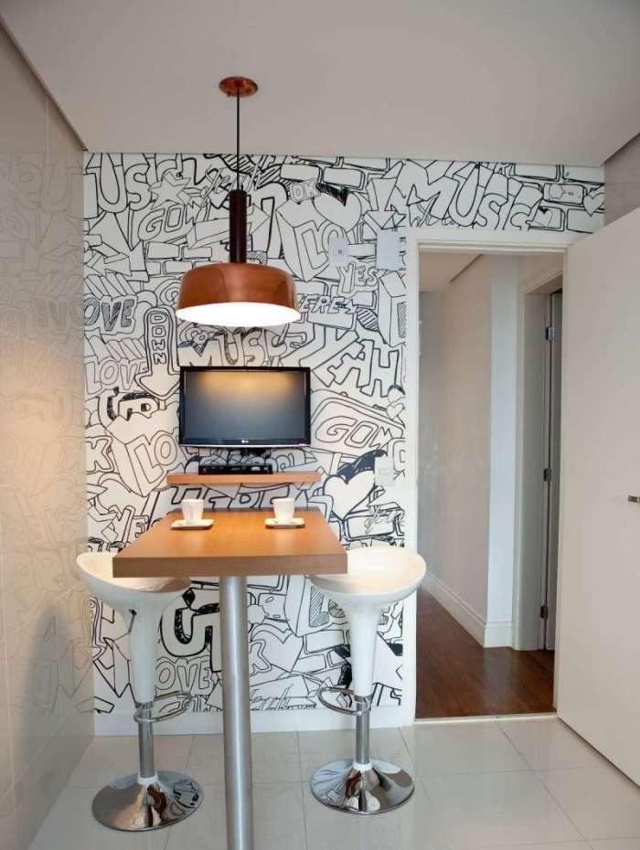 Grafite dentro de casa ganha destaque