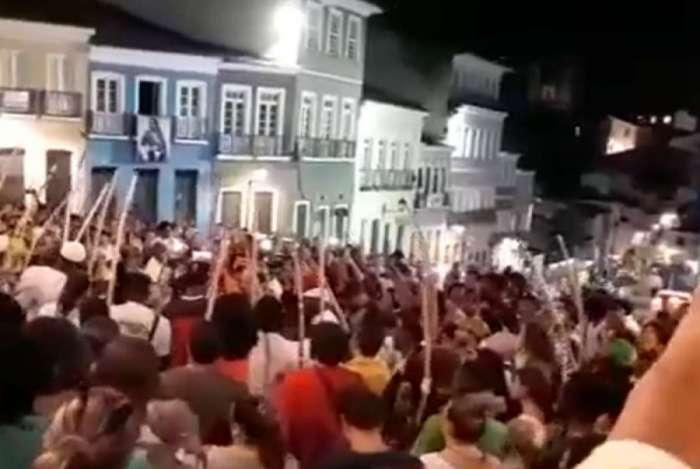 Baianos homenageiam mestre de capoeira morto por eleitor de Bolsonaro