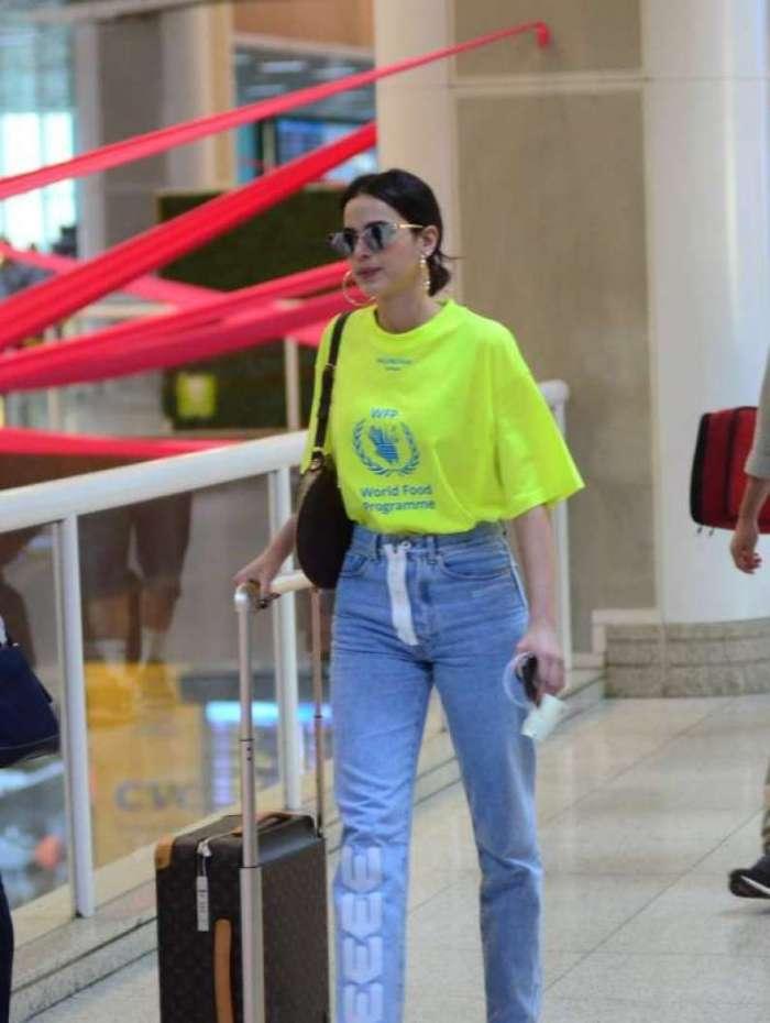 Bruna Marquezine embarca no aeroporto Santos Dumont, no Rio