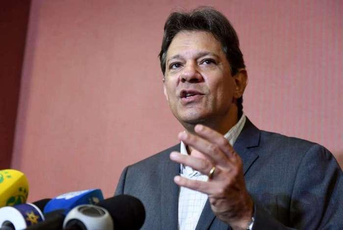 Fernando Haddad criticou decreto que facilita a posse de armas pelo Twitter