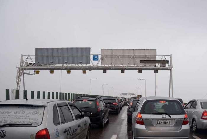 Mulher morre em acidente na Ponte Rio-Niterói