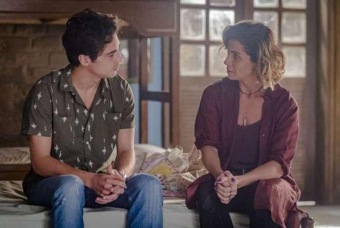 Valentim (Danilo Mesquita) e Luzia (Giovanna Antonelli)