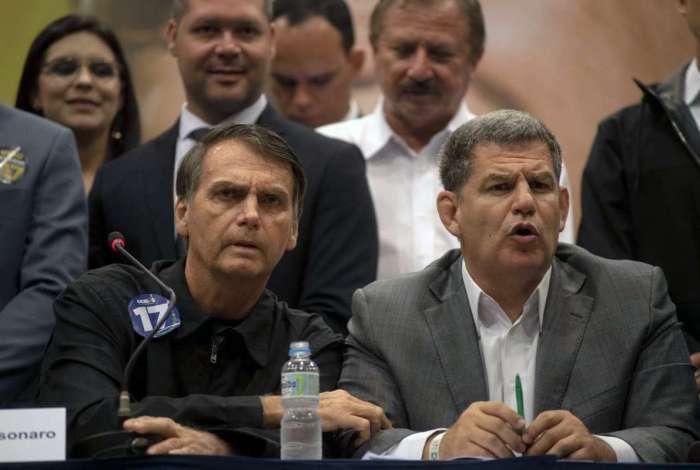 Bolsonaro e o presidente do PSL, Gustavo Bebianno