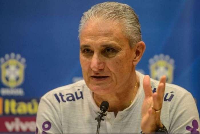 Tite faz mistério de time que vai enfrentar o Uruguai
