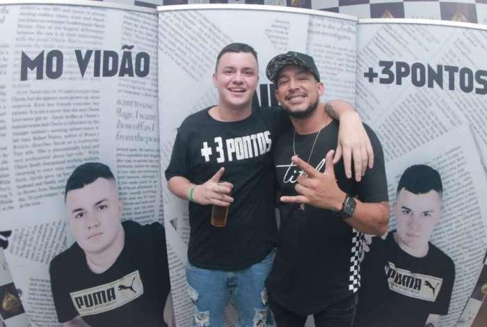 Lucas Jornal e MC Tikão