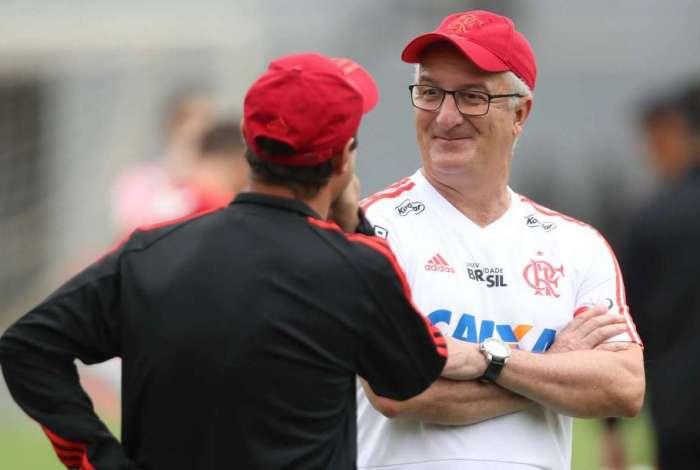 Dorival Jr. comanda treino do Flamengo