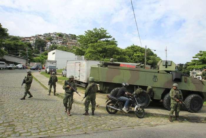 Ocupação de tropas federais no Complexo do São Carlos