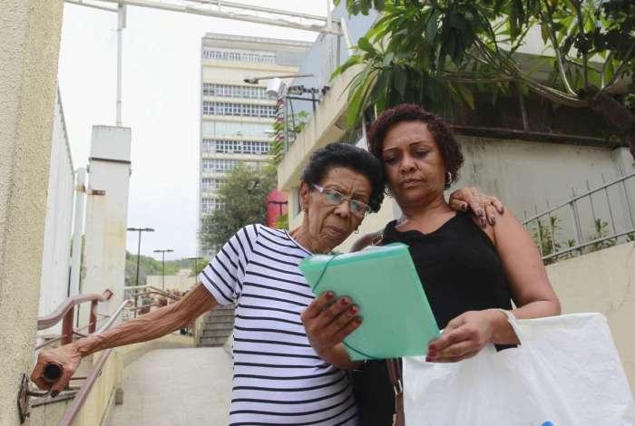 Cecília Maria da Conceição,74 anos, foi ao hospital mas a consulta foi cancelada porque o medico teve um imprevisto. Ela mora em São João de Meriti e tem câncer no intestino