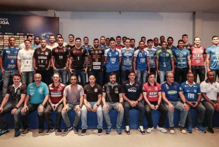 Jogadores e técnicos dos 12 times da Superliga masculina participaram do evento de lançamento, em São Paulo