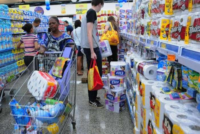 Rede de supermercados oferece promoções