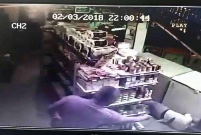 Imagens de câmeras de segurança ajudaram nas investigações