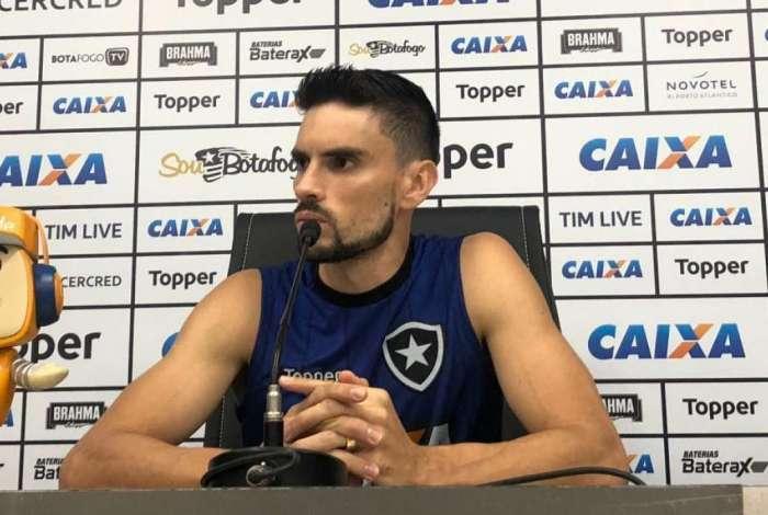 Rodrigo Pimpão falou sobre salários atrasados