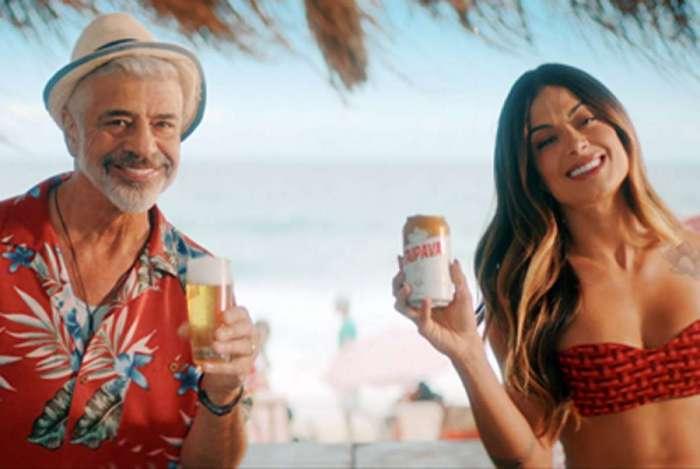 Lulu Santos e Aline Riscado protagonizam comercial