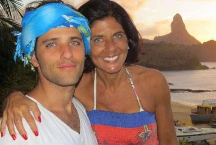 Bruno Gagliasso com a mãe Lúcia