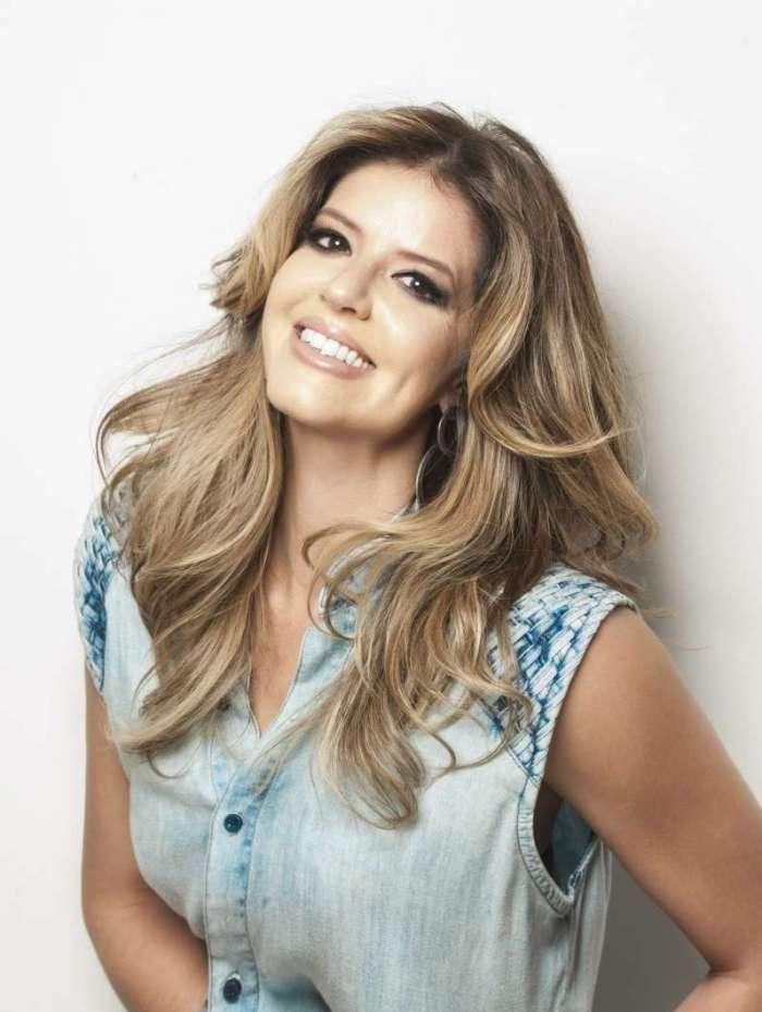 Mariana Santos é uma das apresentadoras do 'Espaço para Dois'