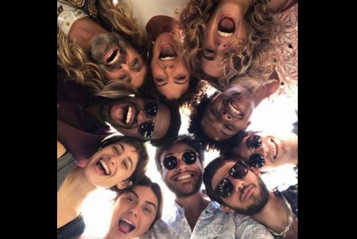 Giovanna Antonelli posta foto com colegas de elenco de 'Segundo Sol'