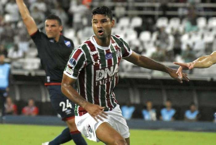 Zagueiro Gum é dúvida para o jogo no Uruguai
