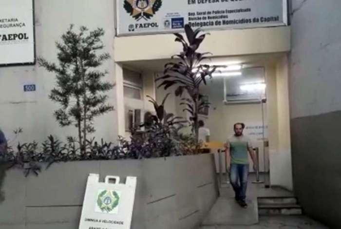Evandro deixou a DH pela porta da frente quando foi preso no dia 23