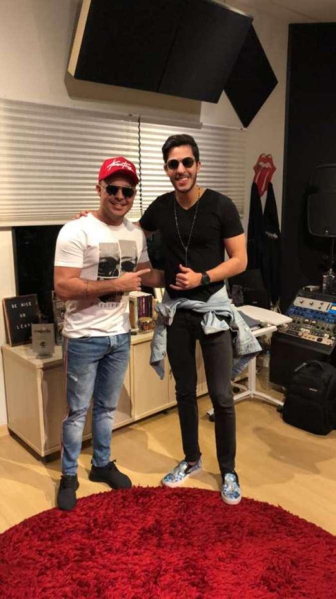Matheus Moraes está em Fortaleza produzindo um novo hit. A gravação de 'Oh,  Decisão' tem direção de Rod Bala