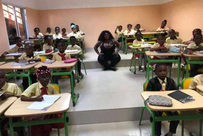 Jojo Todynho dá palestra para crianças na Angola