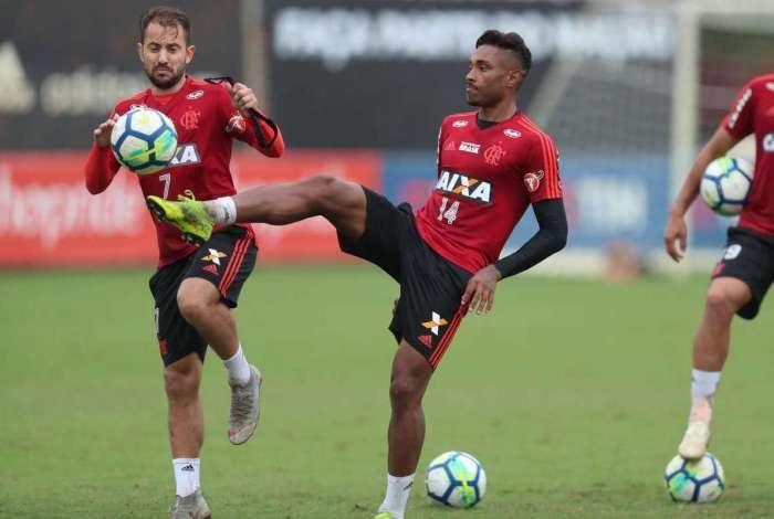Vitinho - treino do Flamengo - 26/10/2018