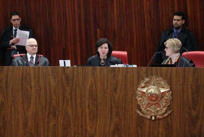 Raquel Dodge vai pedir liminar para 'restabelecer a liberdade de expressão e de reunião de estudantes e de professores no ambiente das universidades públicas brasileiras'