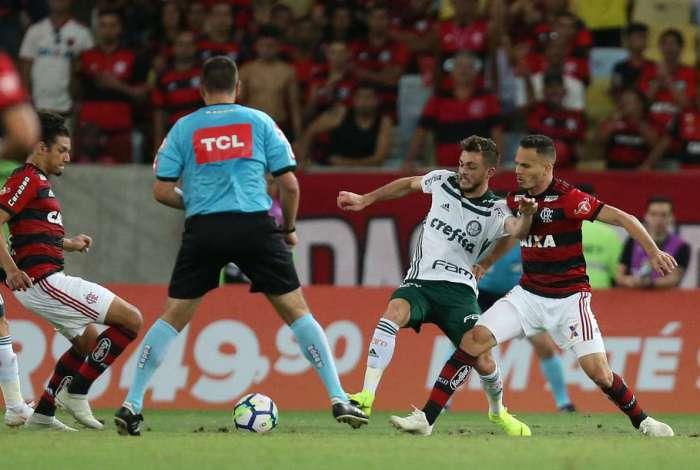 Flamengo empata com Palmeiras no Brasileirão