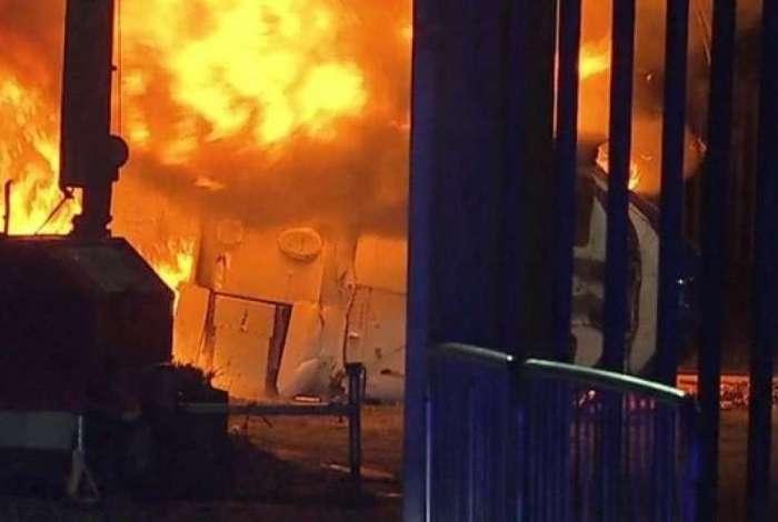 Helicóptero ficou em chamas
