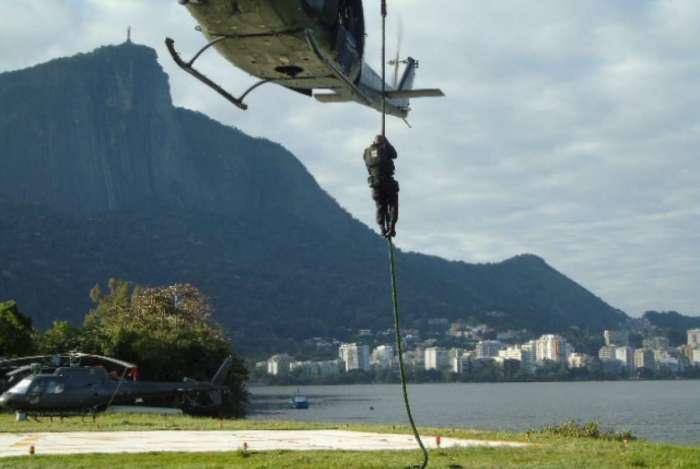 Grupo passará por treinamento em unidade do Exército de São Paulo