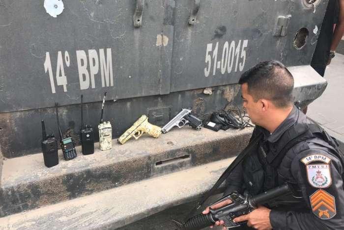 Polícia apreendeu duas pistolas com criminosos na comunidade da Coreia