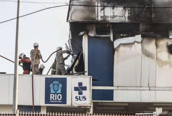 Um incêndio atingiu Coordenação de Emergência Regional (CER) Barra, anexo do Hospital Lourenço Jorge, na Barra da Tijuca