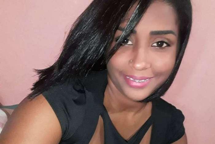 Mulher é atacada com 40 facadas pelo ex-namorado na Baixada