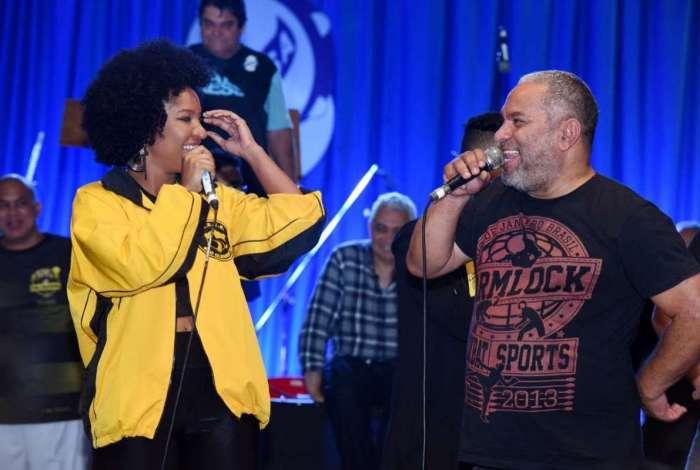 Larissa Luz e Bruno Ribas nos vocais da São Clemente