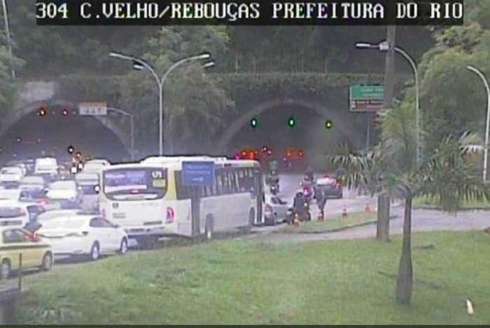 Túnel Rebouças interditou parcialmente via no sentido Centro