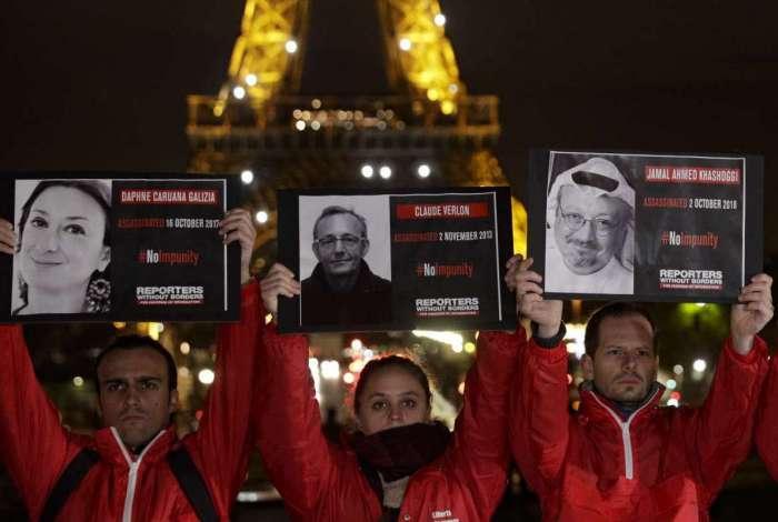 Protesto em Paris contra o assassinato de jornalistas