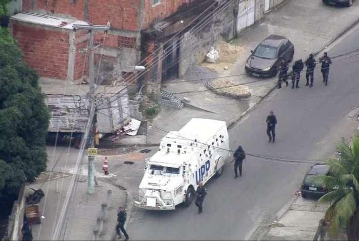 Polícia Militar realiza operação na comunidade da Fazendinha, no Complexo do Alemão