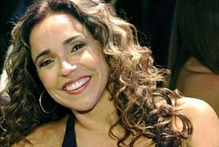 Daniela Mercury em foto anitga