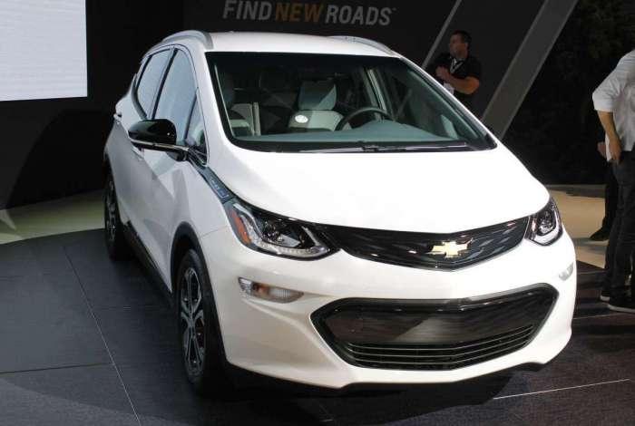 O Chevrolet Bolt foi o primeiro elétrico anunciado no salão. Modelo pode rodar 300 quilômetros e motor forte capaz de gerar 200 cv