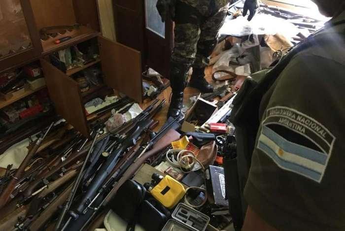 O grupo de investigadores federais, com integrantes dos três países, recebeu laudos periciais das armas: constataram diversas mudanças