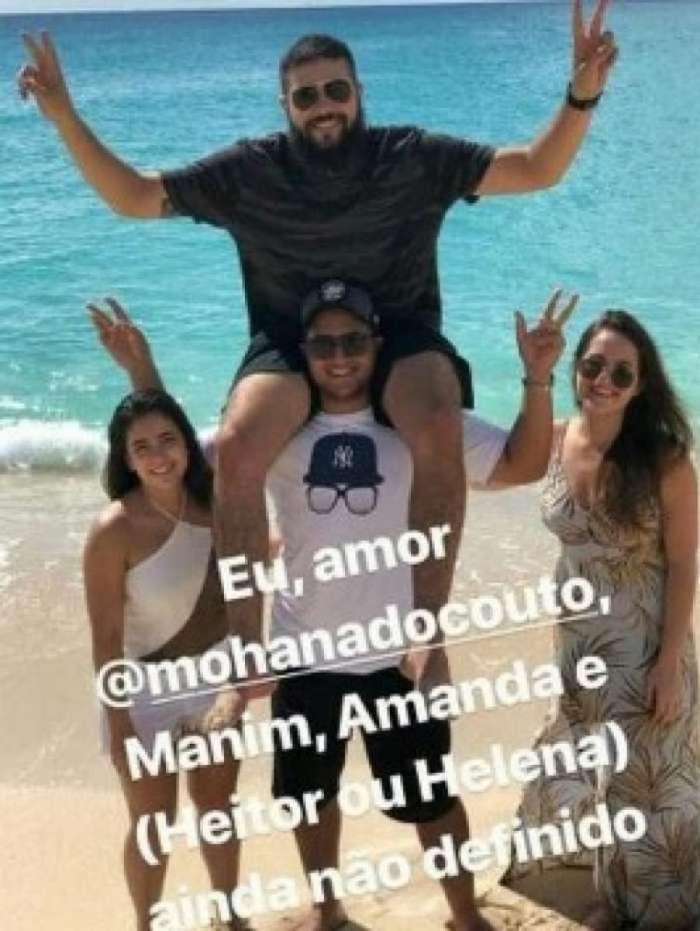 Henrique e a namorada Amanda (de vestido longo) ao lado de Juliano e a namorada Mohana do Couto