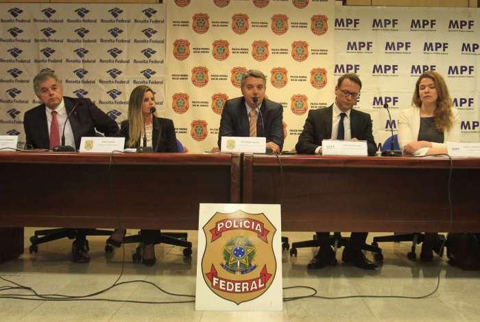 Entrevista coletiva sobre a operação Furna da Onça, que prendeu 10 deputados da Alerj