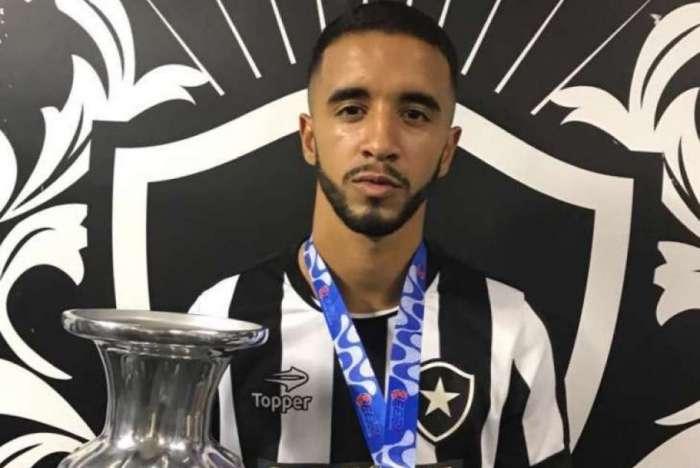 Caio Alexandre é uma das principais nomes da base do Botafogo