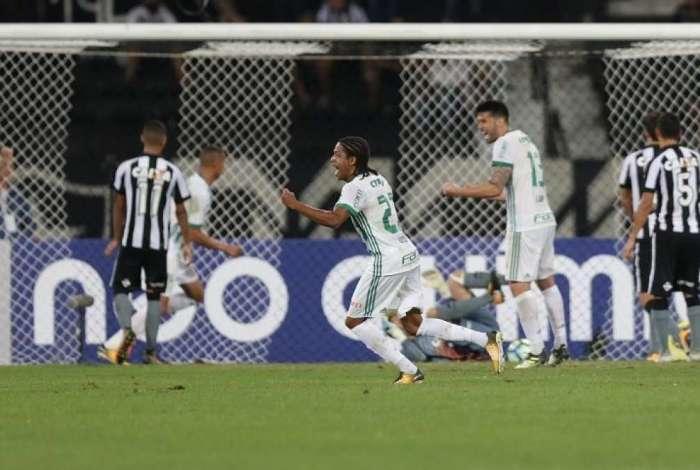 Keno em jogo contra o Botafogo