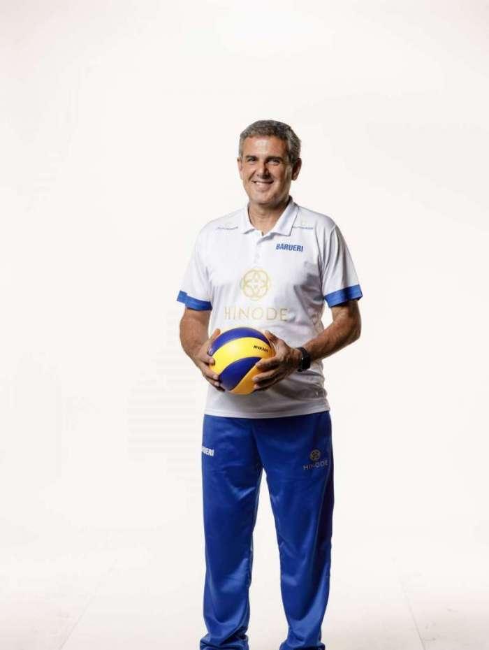 O técnico José Roberto Guimarães, da seleção brasileira e do Hinode Barueri