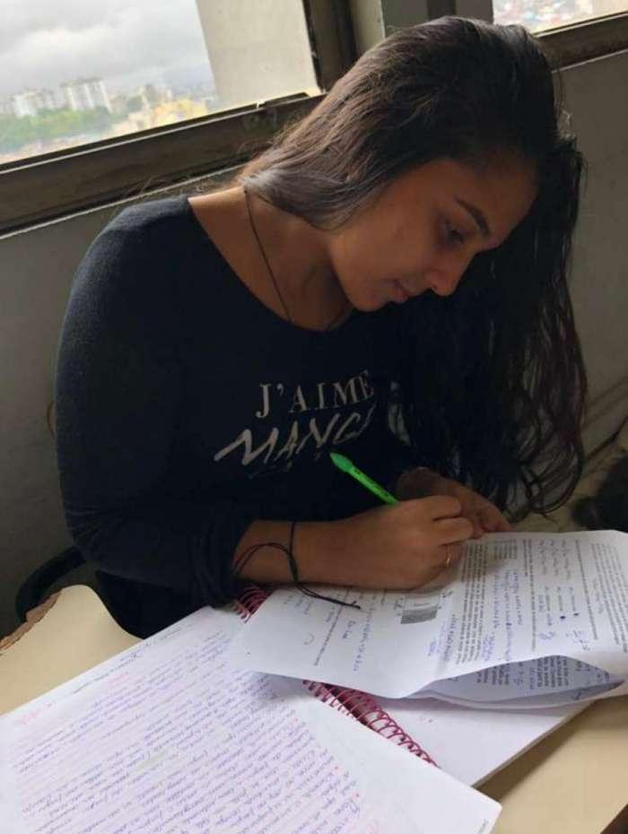 Giovana, que tenta uma vaga em Nutrição na UFRJ, está confiante
